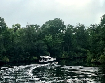 Cruising together from Camden, NC to the Dismal Swamp Canal